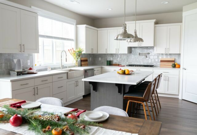 Tis the season to gather around (and show off!) those beautiful Holt home kitchen islands.   Kitchens are not only a place to prepare meals, but spaces to safely gather, show love, and create memories. Just one of the many features we purposefully design, that help make your house a home. Explore more of the community design options via our #linkinbio