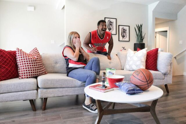 Swipe right for the 3-pointer reaction. Will you be cheering from home today? 🏀 #holthomesnw 