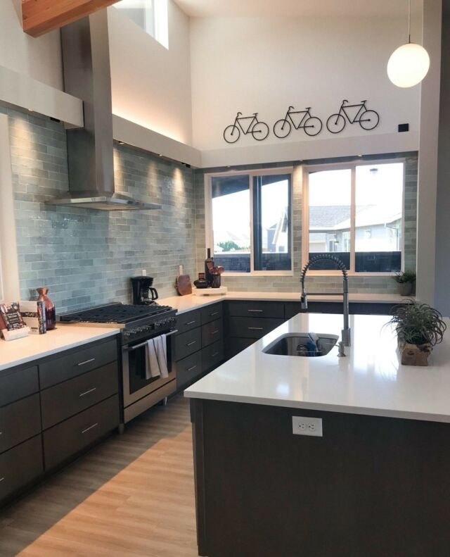 Did you know that Holt is also a land developer? It gives us the unique ability to shape our communities beyond the homes we build and provide amazing amenities like our clubhouse at Ponderosa Ridge in Corvallis. More snapshots coming soon!  Learn about the other perks of this community - link in bio.🚲 
