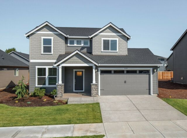 Isn't this 2260 exterior so dreamy? This plan just became available at Creekside Heights in Battle Ground, WA along with three other plans: the 1594, 1857, and 2321 (all named for their square footage). We wanted to share the exciting news here first!  Click the link in bio to see more or reach out to our agent below:  Sales Agent Info: Jake Gander 503.739.9113 jake@holtsales.com